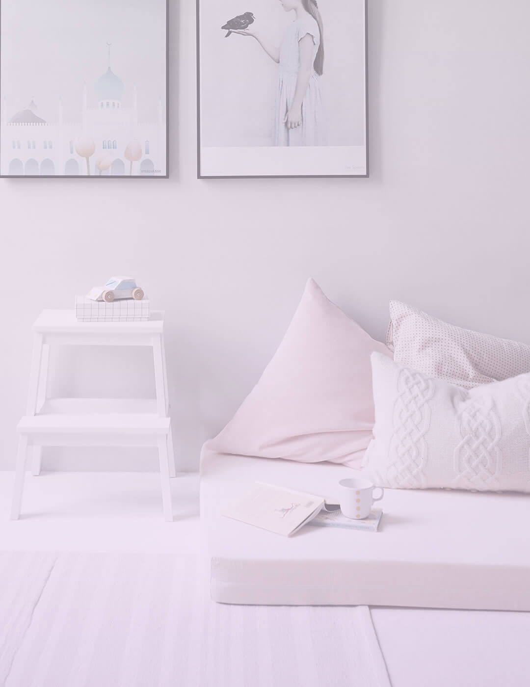 minimalistic room decor as a suggestion for boring life