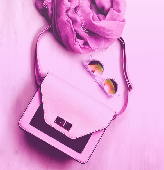 10 Super Useful Things To Have In Your Purse