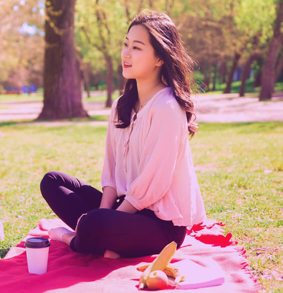 7 Beautiful Ways To Use Your Lunch Break For Self Care