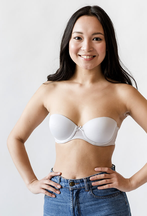 woman flaunting beautiful body without stretch marks