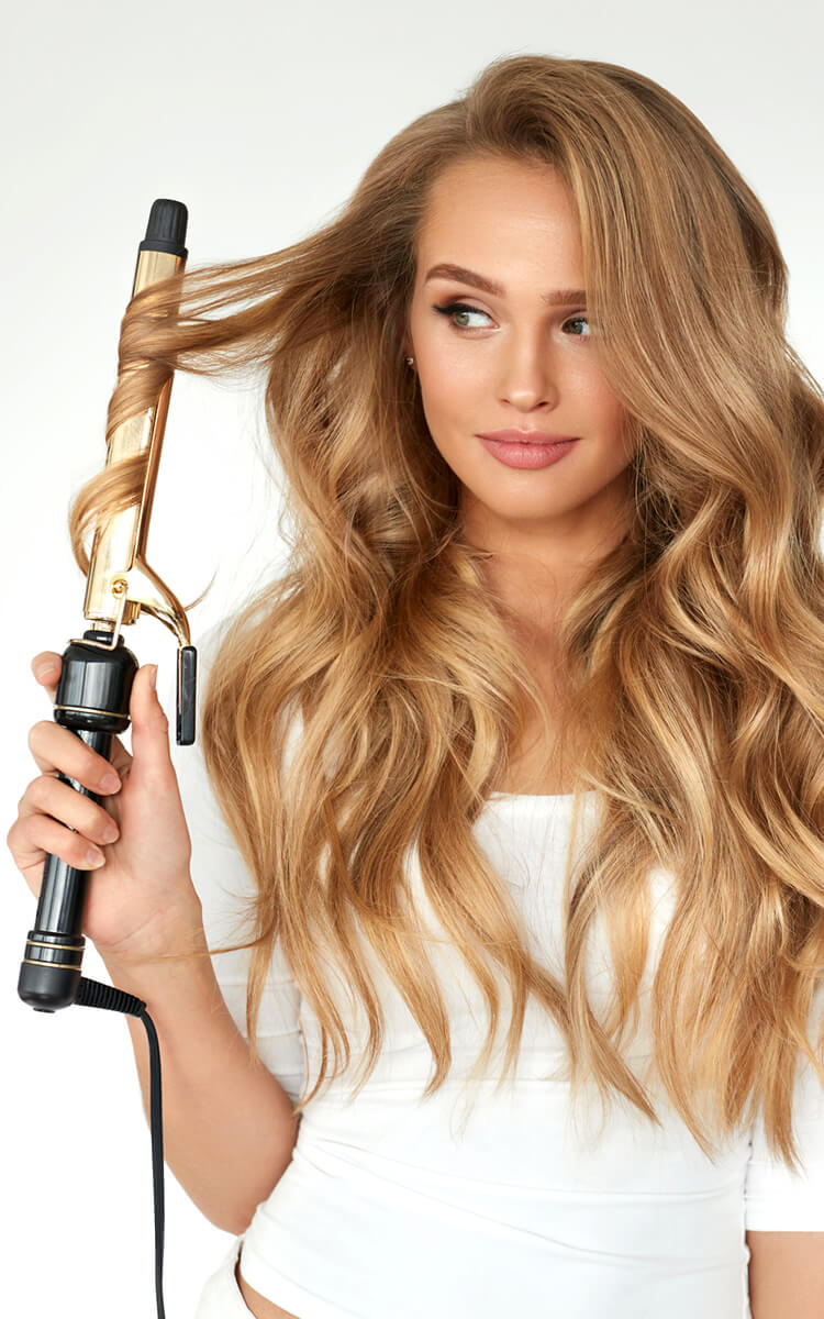 woman with wavy hair bombshell hairstyle