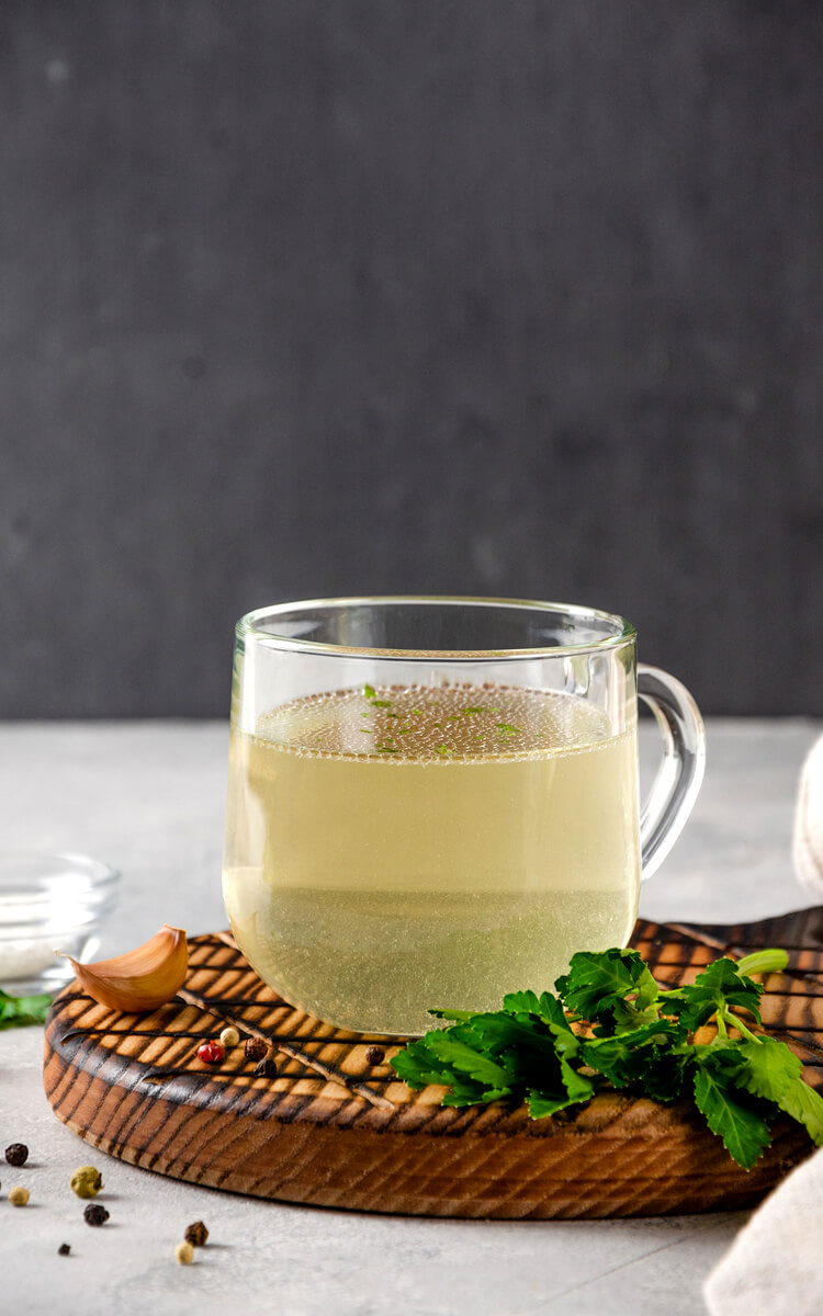 bone broth as one of the natural collagen sources
