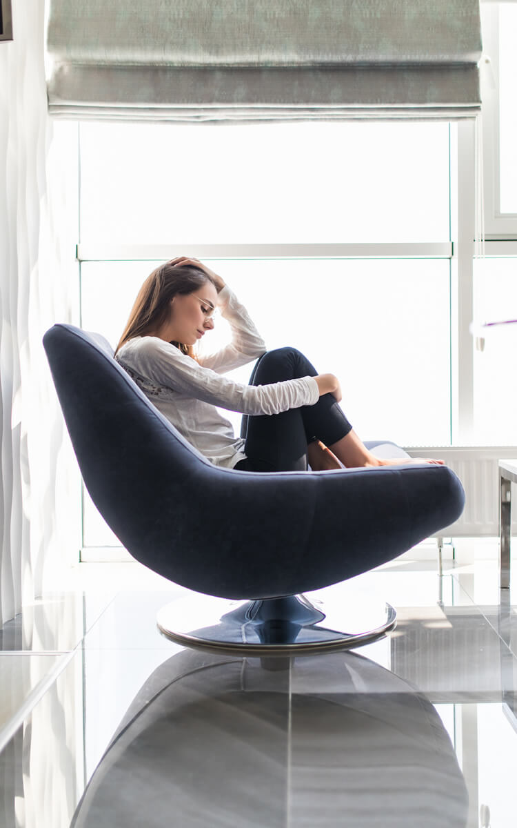 woman having trouble to stay positive